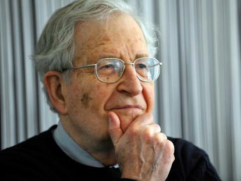 Noam Chomsky: Svoboda projevu, teror a dvojí metr